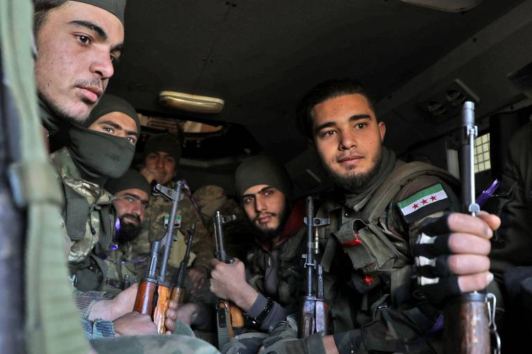 Cidade síria de Idlib sob ataque