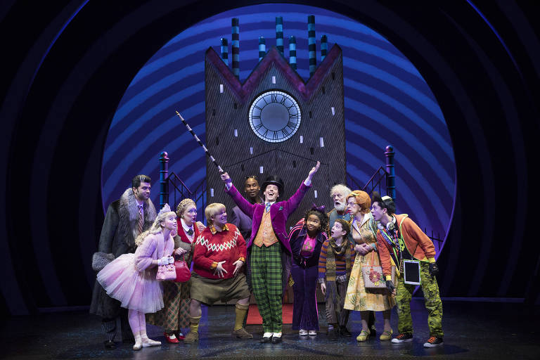 Veja imagens do musical 'Charlie and the Chocolate Factory'