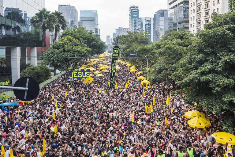 Bloco do DJ Alok durante o pré-Carnaval, em 16 de fevereiro, pico de roubos de celulares em SP