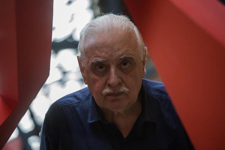 """Augusto de Campos no Sesc Pompeia durante a abertura da mostra """"Rever"""", em 2018"""