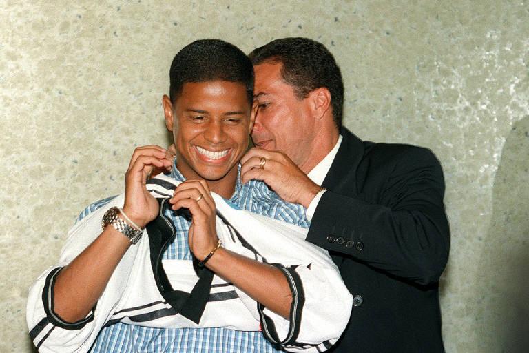 Marcelinho Carioca e Luxemburgo foram campeões pelo Corinthians antes de briga