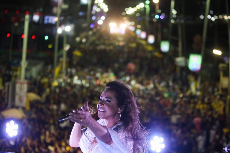 Retrato de Daniela Mercury no seu bloco. A cantora se apresentou no circuito Barra/Ondina