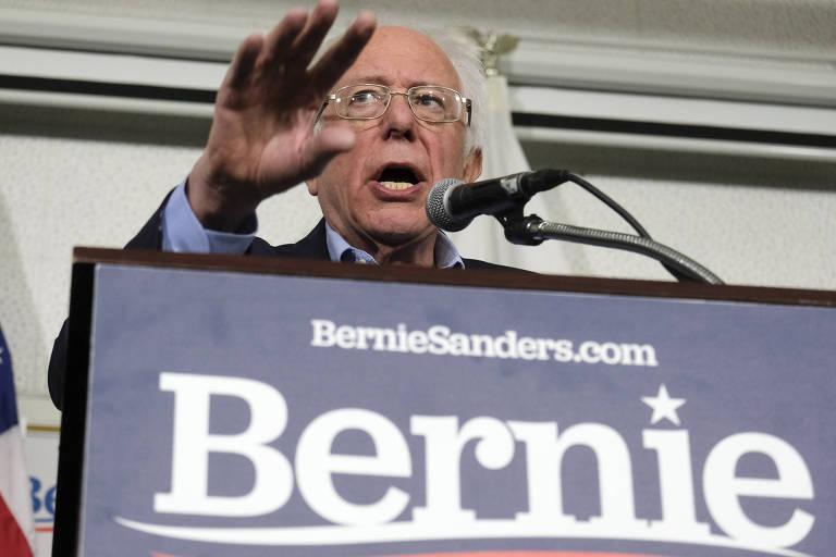 O candidato democrata Bernie Sanders em um ato de campanha na Califórnia nesta sexta (21)
