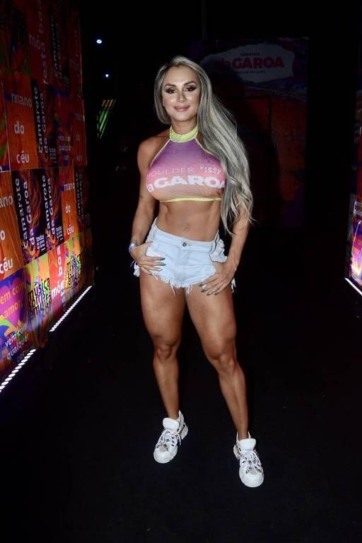 Juju Salimeni exibe boa forma na primeira noite do carnaval de São Paulo
