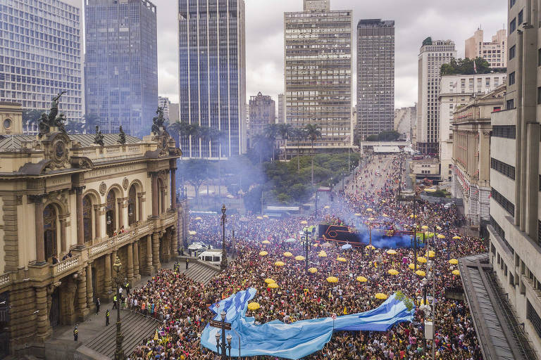 Bloco Tarado Ni Você, no cruzamento das avenidas Ipiranga e São João