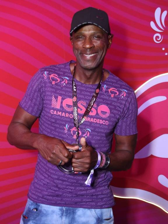 Robson Caetano, no Nosso Camarote, no 1º dia de desfiles na Sapucaí