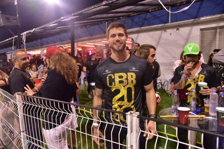 Famosos curtem carnaval nos camarotes do Anhembi