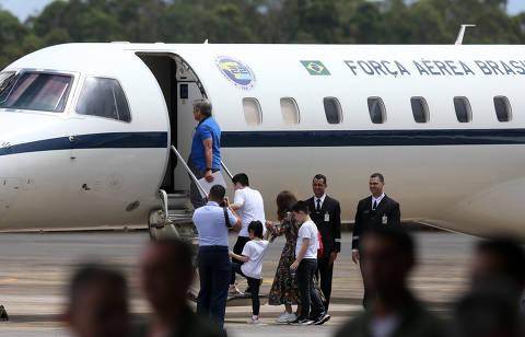 Sem coronavírus, brasileiros repatriados da China e isolados em Goiás são liberados