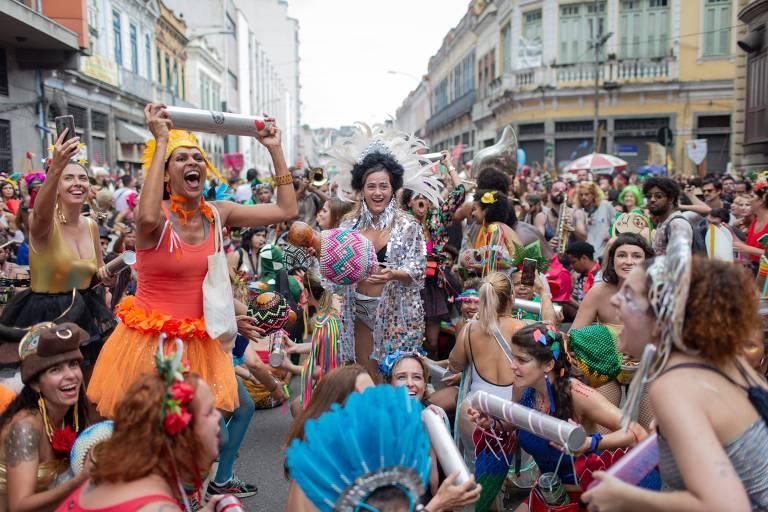 Alala�: Beija-Flor encerra desfiles do Rio com lendas e mitos sobre as estradas