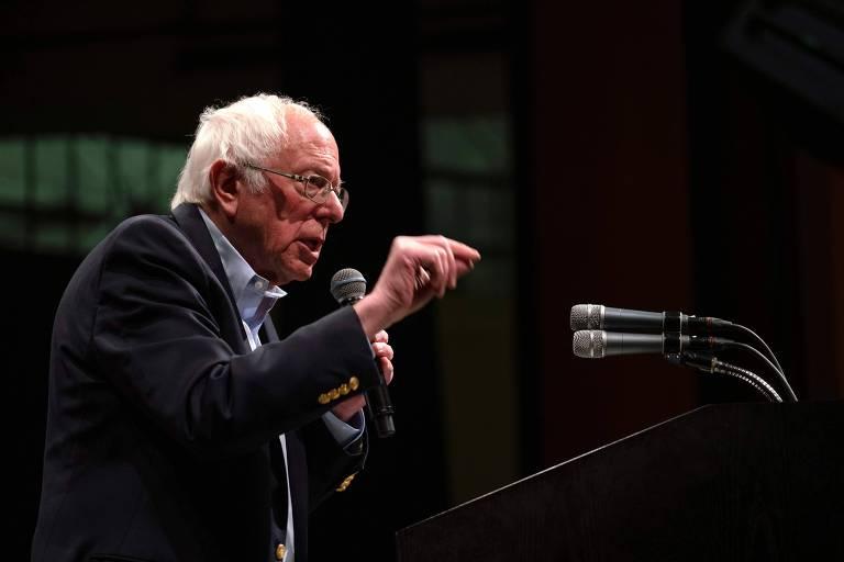 O pré-candidato Bernie Sanders durante comício em El Paso, Texas
