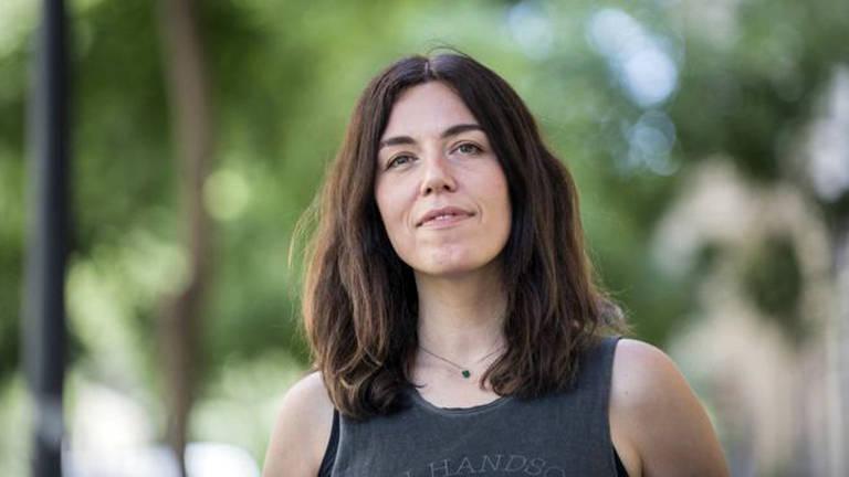 Desde os anos 90, quando descobriu a cena dos hackers em Madri, a jornalista espanhola Marta Peirano estuda a tecnologia de forma crítica