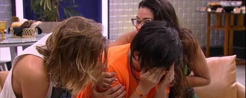 Pyong, ao lado de Daniel e Ivy, chora ao ver imagem do filho pela primeira vez