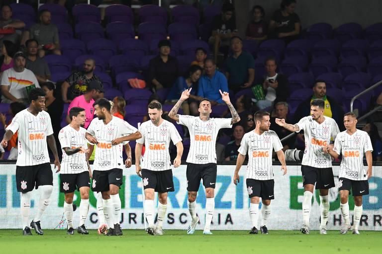 Luan comemora o segundo gol do Corinthians contra o New York City, na Florida Cup, enquanto muitos fãs do interior de São Paulo nunca viu o time de perto