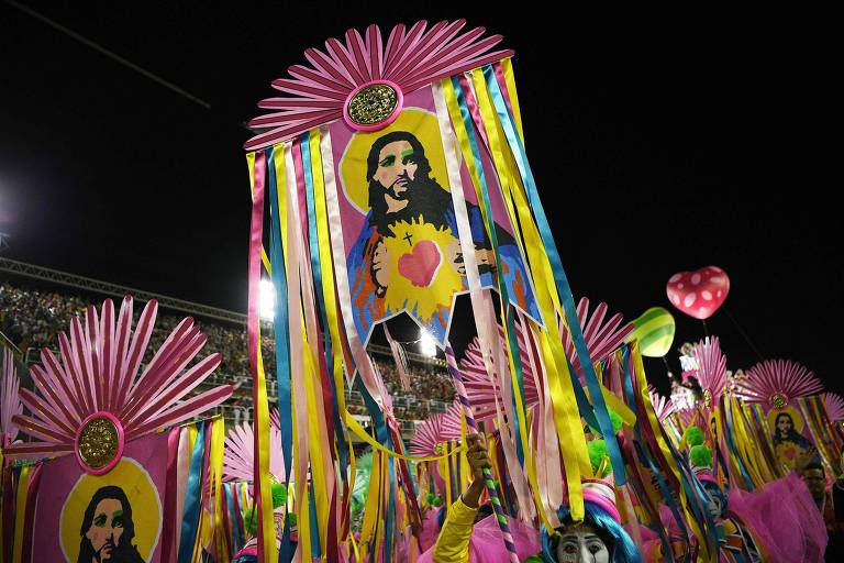 Desfile da Mangueira; veja mais fotos da escola