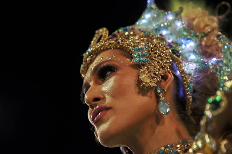 A deslumbrante Lívia Andrade, a rainha de bateria da Tuiuti