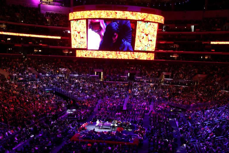 Evento no Staples Center, casa do Los Angeles Lakers, homenageou Kobe Brynat, sua filha Gianna e as outras sete pessoas que morreram em uma queda de helicóptero no último dia 26 de janeiro