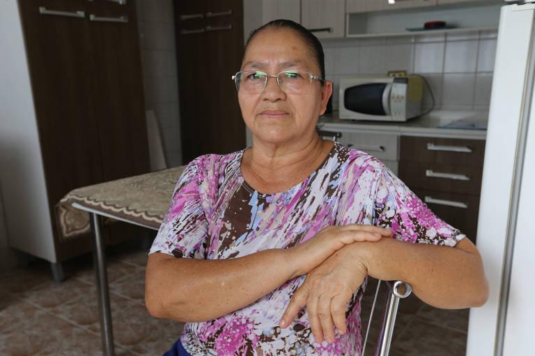A diarista Ana Maria Artemin Dias, 61 anos, do Jardim Piratininga (zona leste), conta que tem recebido todos os dias telefonemas de cobranças da TIM