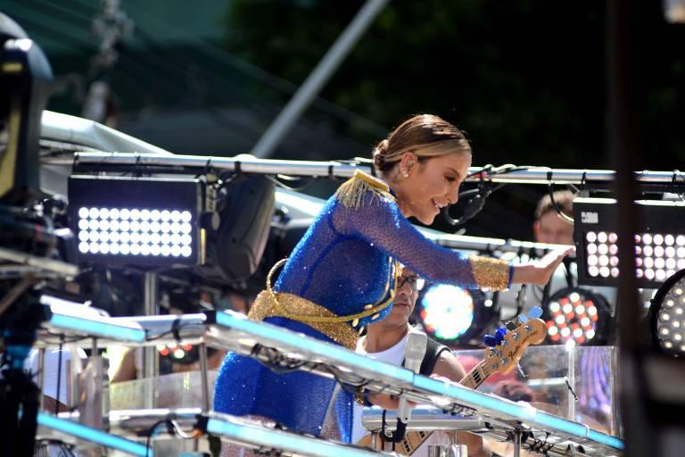 Cantora Cláudia Leitte comanda pipoca no Campo Grande, artista faz o público delirar com novos e antigos sucessos