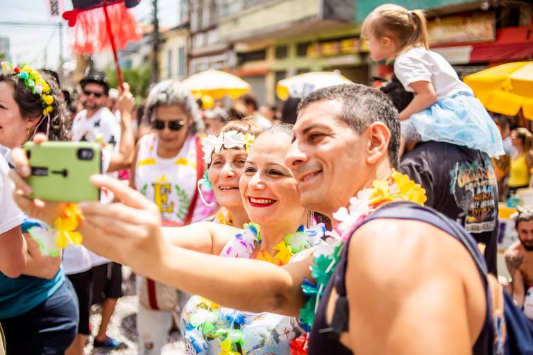 A Espetacular Charanga do França puxa o terceiro dia do Carnaval de rua em SP