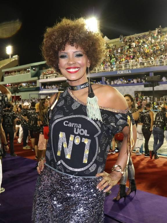 Isabel Filardis chega ao Camarote N1 na Sapucaí para a segunda noite de desfile do Grupo Especial