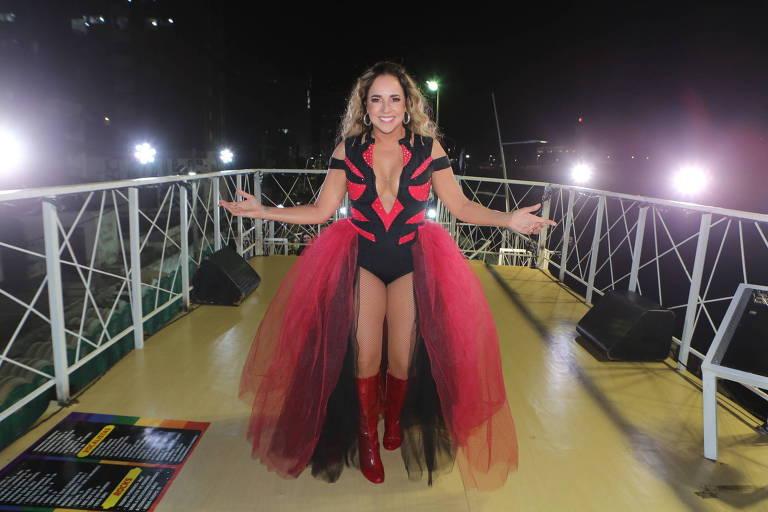 Daniela Mercury no trio em Salvador