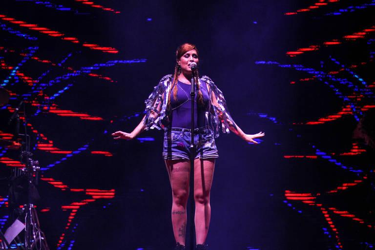 Cantora Pitty se apresenta  no Marco Zero em Recife