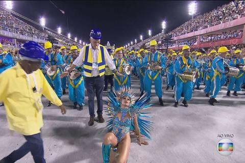 Carnaval 2020: Última noite de desfiles tem Lexa tombada e Deborah Secco enfaixada