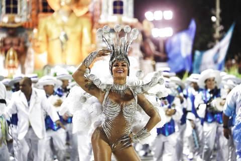 Vila Isabel, Salgueiro e Beija-Flor se destacam com luxo, samba-chiclete e pouca crítica social