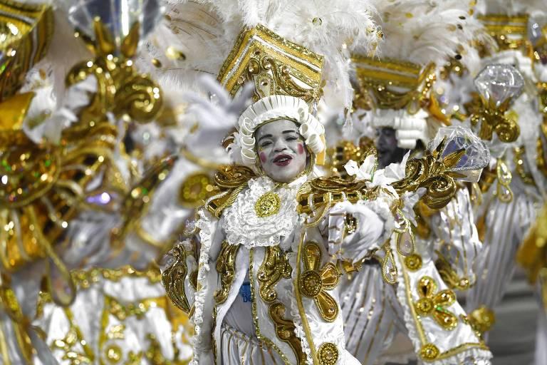 Desfile da escola Beija-Flor, no segundo dia do Grupo Especial na Sapucaí