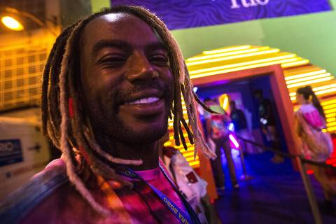 COLUNA MONICA BERGAMO - 23/02/2020 -  RIO DE JANEIRO - RJ - Carnaval Rio 2020 - Cobertura dos Camarotes na Marques de Sapucaí. Na foto, jonathan azevedo.  Foto Marlene Bergamo/Folhapress. - Selene 580109