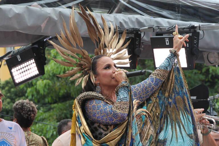 Cantora Ivete Sangalo agita os foliões no circuito Osmar - Campo Grande