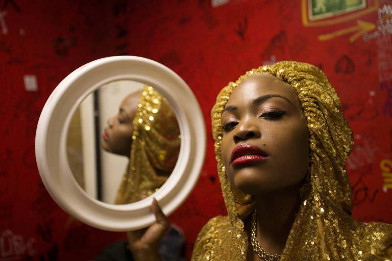 Veja imagens da cantora Pongo
