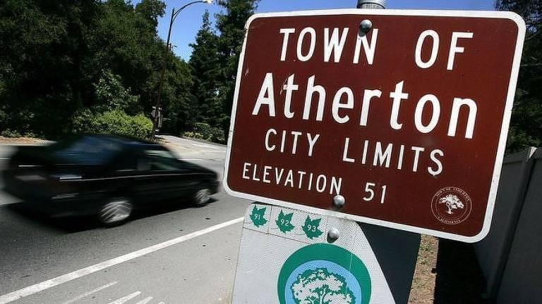 A renda média de uma família em Atherton é superior a R$ 2,3 milhões por ano