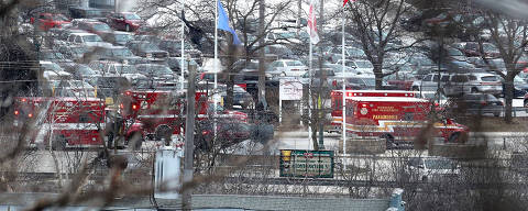 Emergency vehicles are parked near the entrance to Molson Coors headquarters in Milwaukee, Wisconsin, February 26, 2020.  Rick Wood/Milwaukee Journal Sentinel/USA TODAY NETWORK via REUTERS ORG XMIT: NYK999