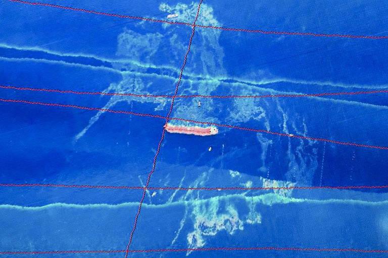 Ibama avista mancha de óleo perto de navio encalhado no Maranhão