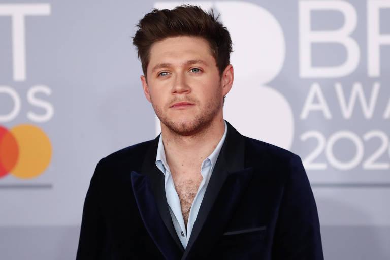 Niall Horan no tapete vermelho do Brit Awards