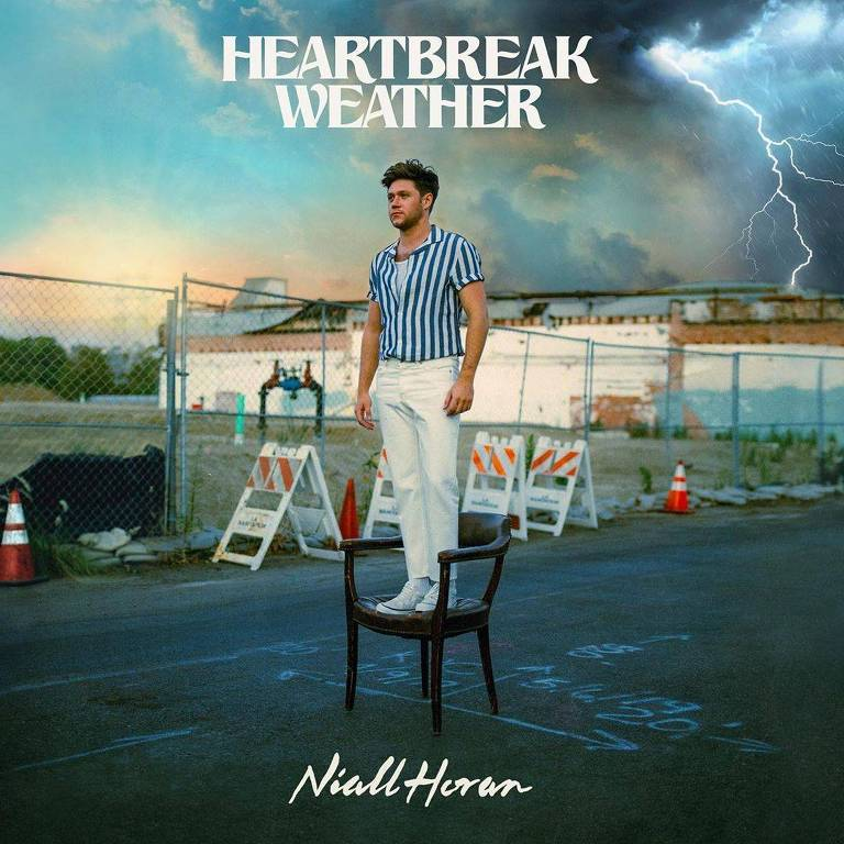 "Capa do novo disco de Niall Horan ""Heartbreak Weather"""