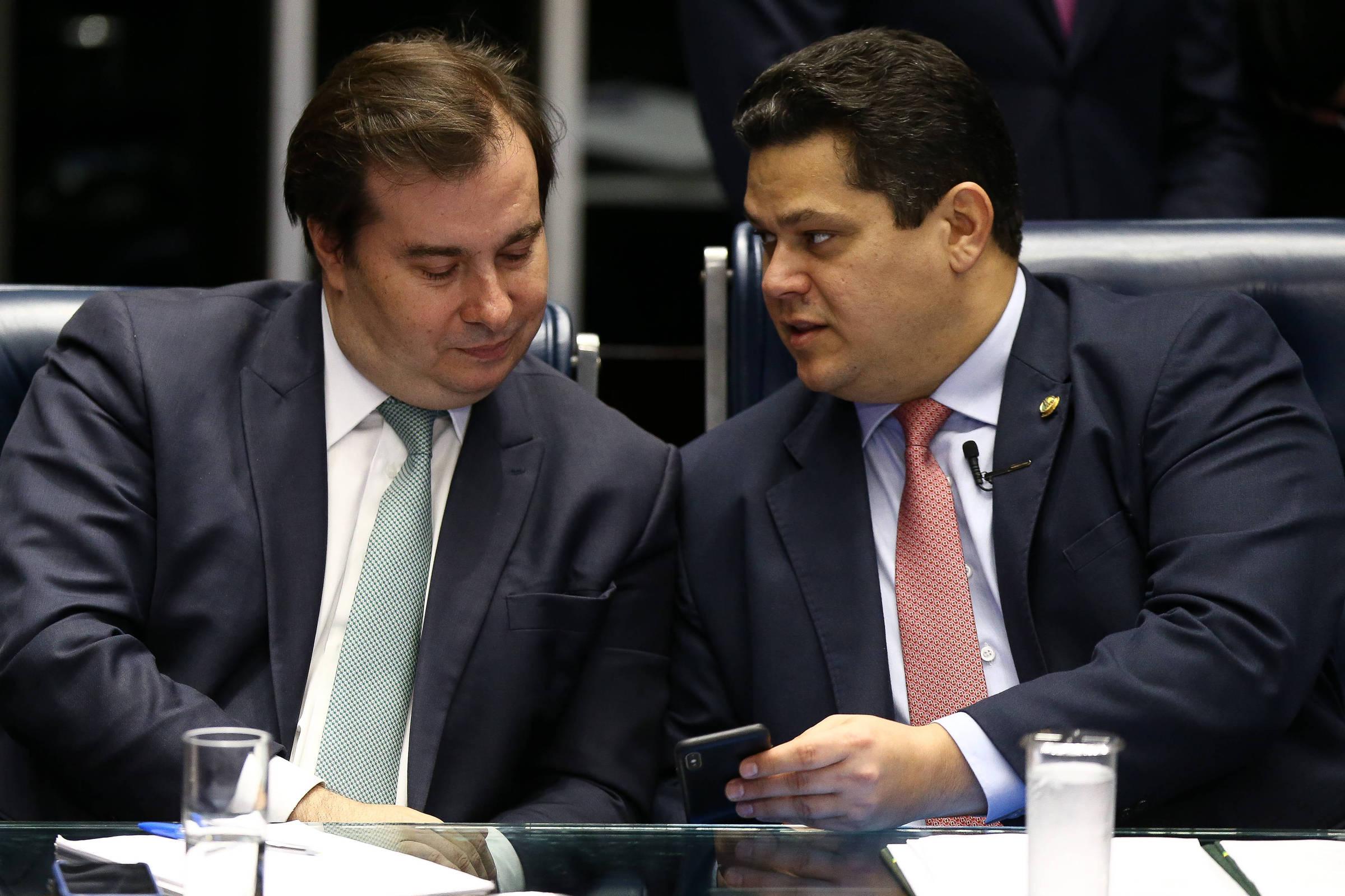 Maia e Alcolumbre evitaram comprar briga com Bolsonaro para não ...