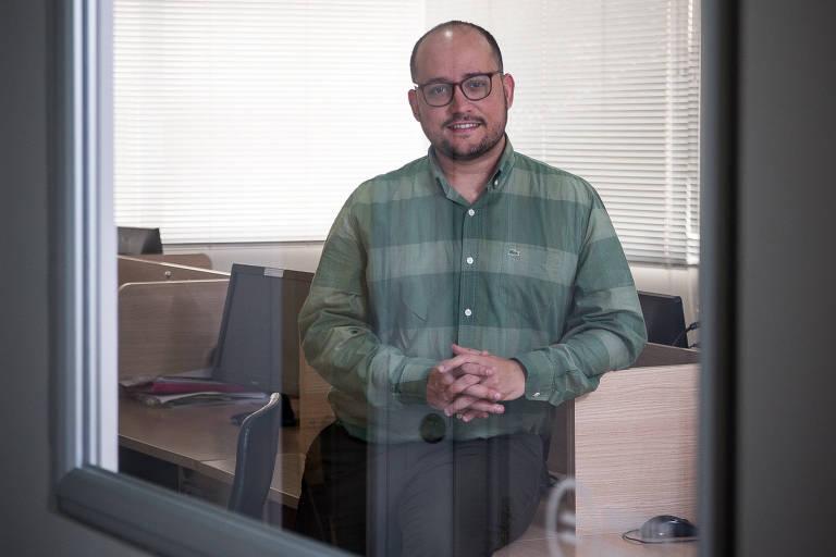 Gabriel Pinheiro, 30, fundador da Igual, na sede da empresa, em SP;