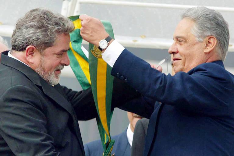 Governo Lula teve crescimento, redução da pobreza e mensalão