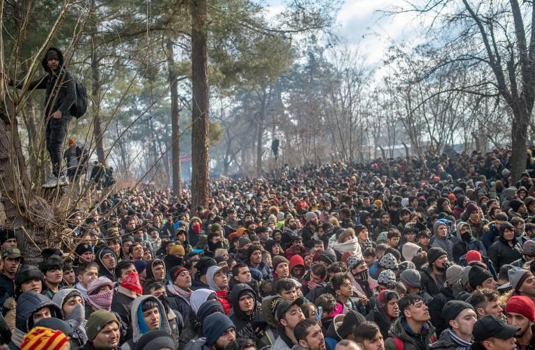 Refugiados na fronteira entre Grécia e Turquia