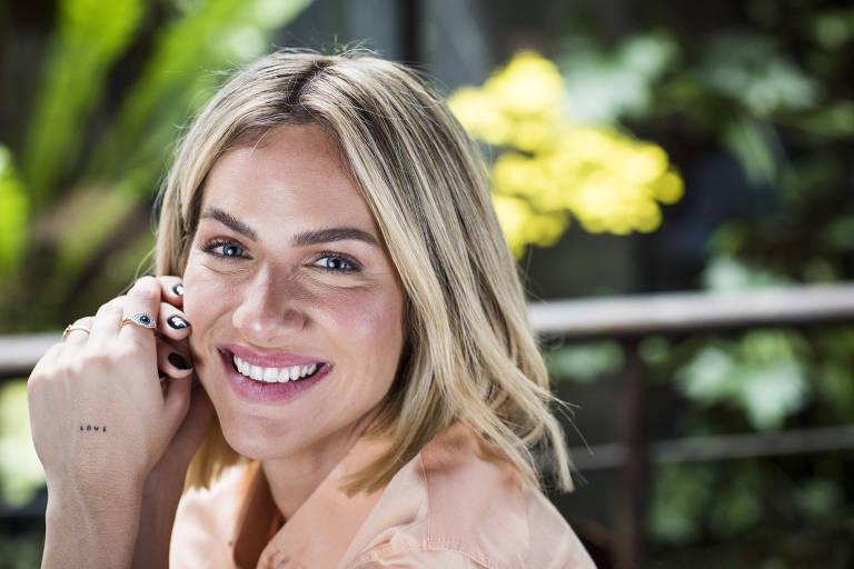 Retrato da atriz e apresentadora Giovanna Ewbank, no Oscar Bistro no bairro Jardins em SP