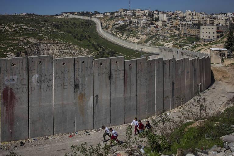 Capital palestina proposta por Trump é vista como jaula por moradores locais