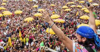 Carnaval em Sao Paulo . Musico e cantor Bell Marques  se apresenta com seu bloco na av Pedro Alvares de Cabral, no Ibirapuera.