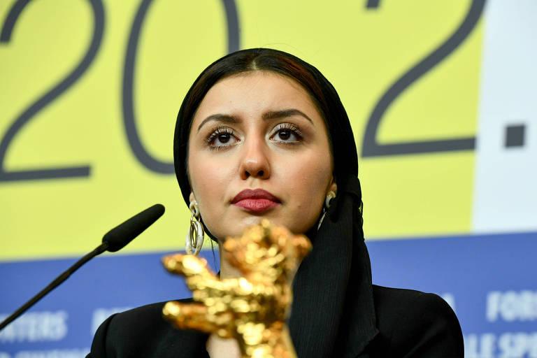 mulher atrás do Urso de Ouro, premiação do Festival de Berlim de cinema