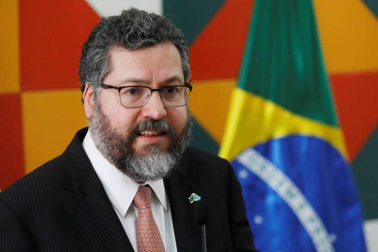 O ministro Ernesto Araújo discursa em evento na Guatemala