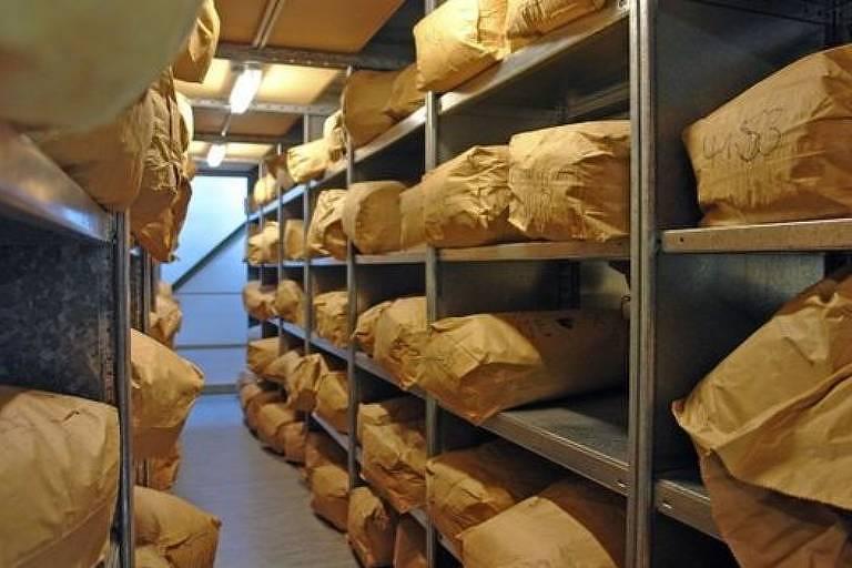 Cerca de 16 mil sacos com recortes foram salvos por ativistas