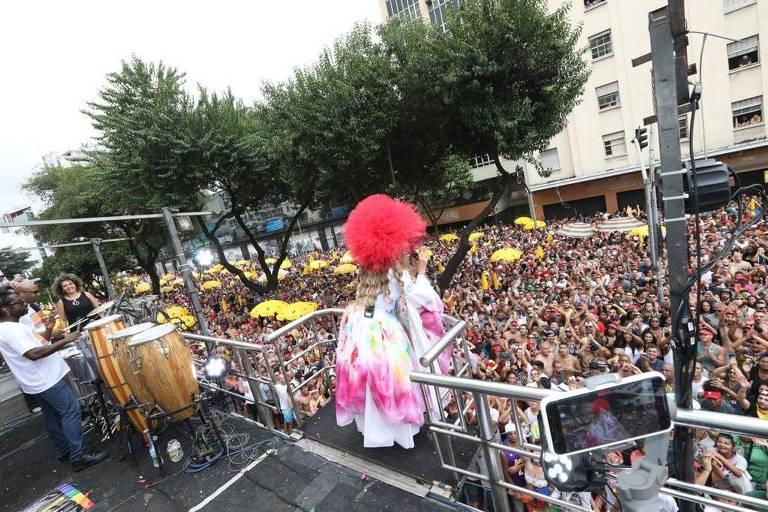 São Paulo, 1 de março de 2020. A cantora Daniela Mercury fecha o Carnaval paulistano com seu bloco Pipoca da Rainha, na rua da Consolação. Foto: Célia Santos/Divulgação