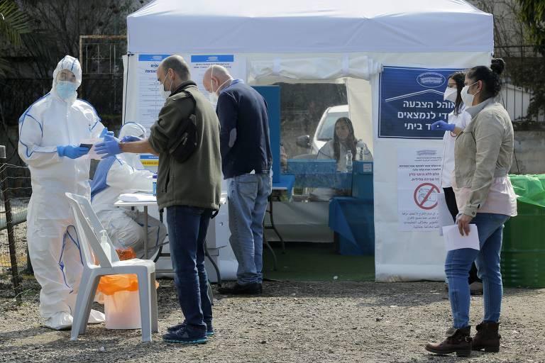 Ponto de votação especial para eleitores que cumprem quarentena por coronavírus, em Tel Aviv
