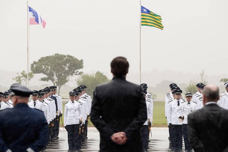 O presidente Jair Bolsonaro participa, em dezembro, de solenidade na Academia da Força Aérea em Pirassununga (SP), onde houve casos de sarampo